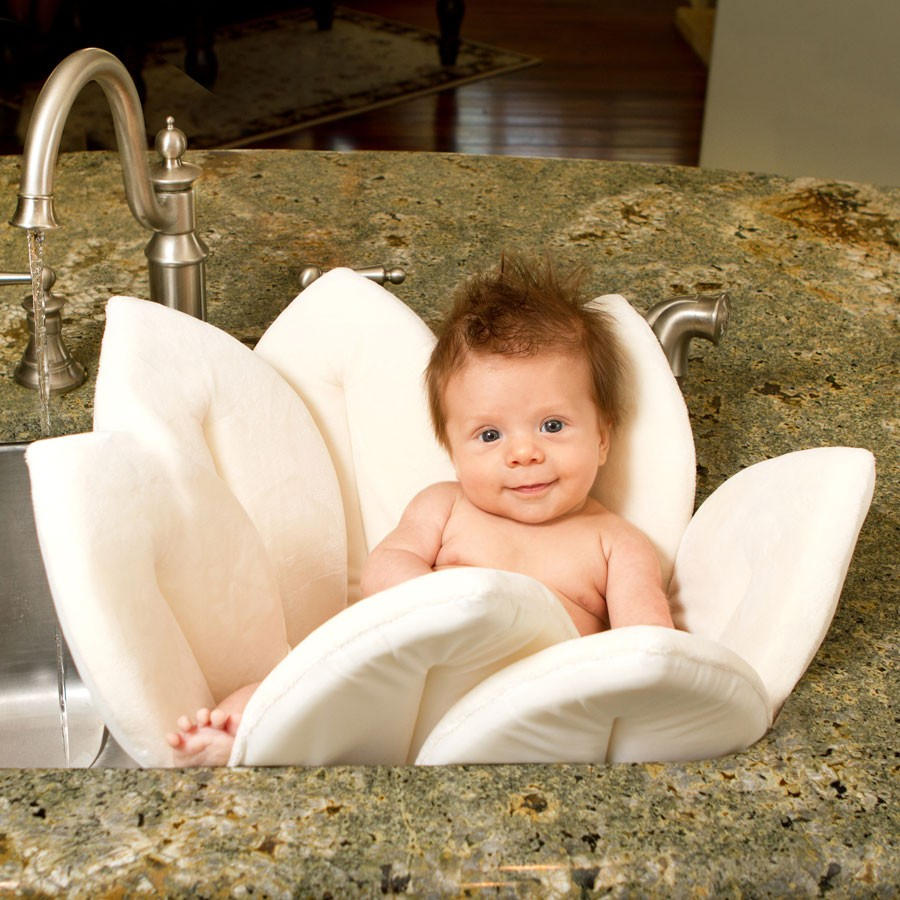 blooming bath baby bath tub canada. Black Bedroom Furniture Sets. Home Design Ideas