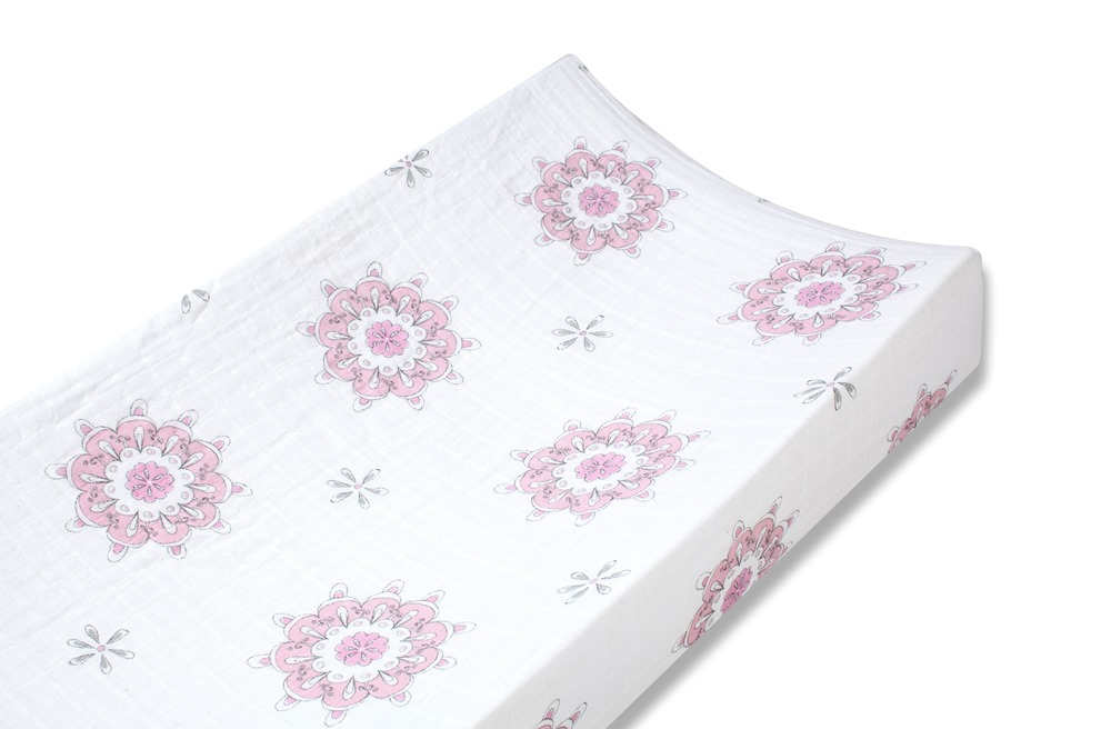 Aden and Anais classic changing pad cover -for the birds medallions