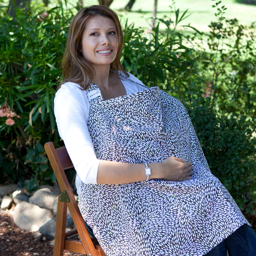 bebe au lait nursing cover in use - mosaic