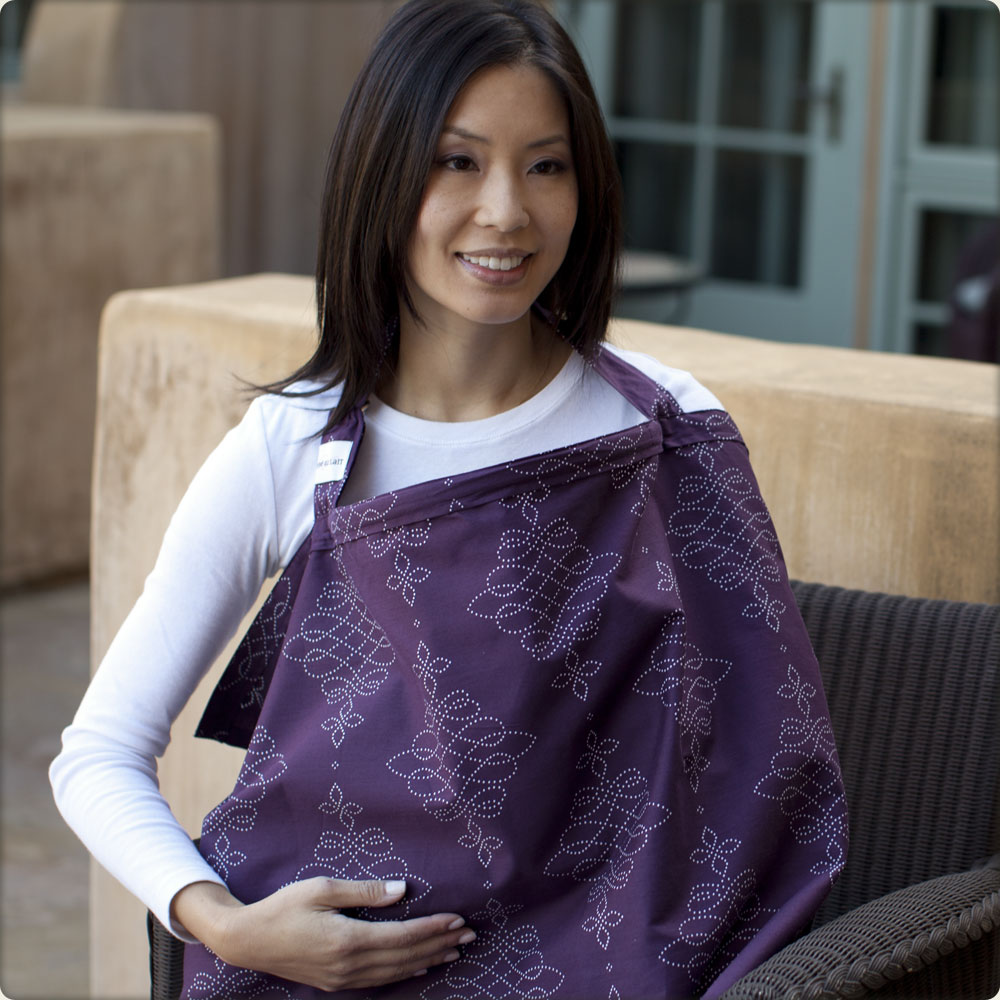 bebe au lait nursing cover in use - royale