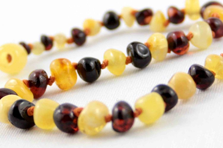 healing amber necklace - Molasses & Cream